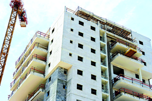 בנייה בראשון לציון   צילום: קובי קואנקס
