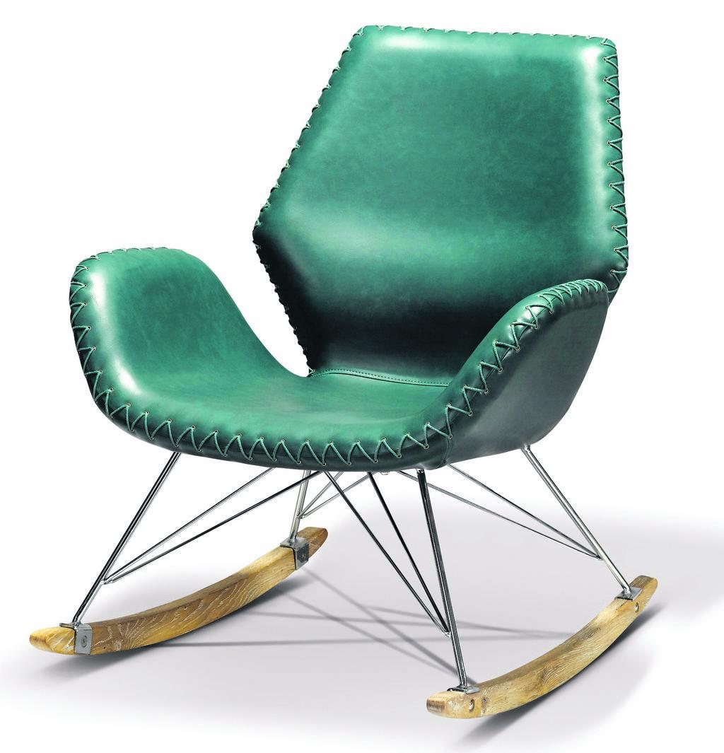 כיסא עור בצבע העונה, ביתילי. צילום: ישראל כהן