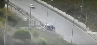 תיעוד פגיעת הרכב בהולך הרגל במבשרת. צילום: נתיבי ישראל