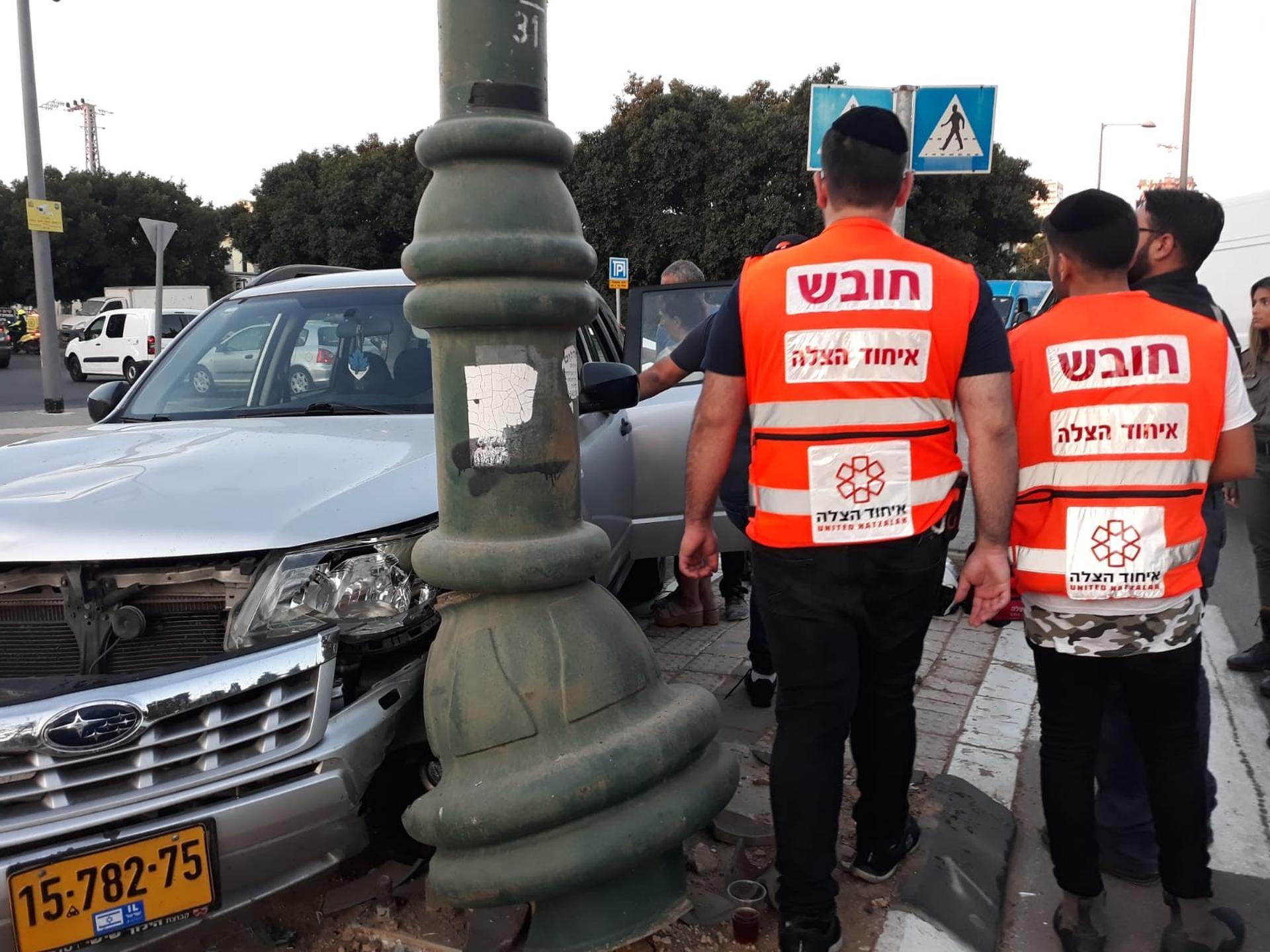 מזירת התאונה הקשה בראשון לציון - צילום: דוברות איחוד הצלה