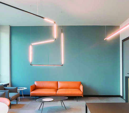 עיצוב ותכנון תאורה של צאלה סופר לכלי אור. צילום: אנדי פונגו