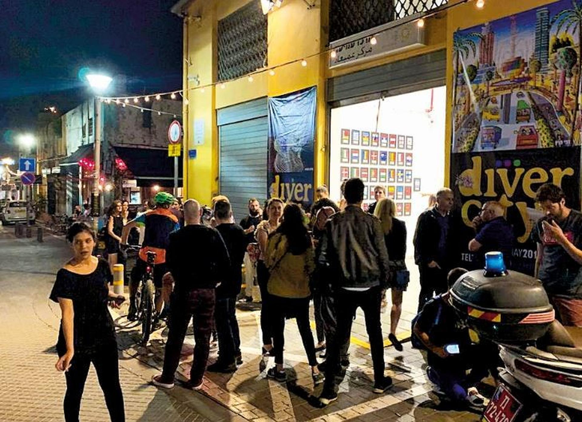 שוק הפשפשים. חשיפה לאמנים, אטרקציה לתיירים   צילום: עיריית תל אביב